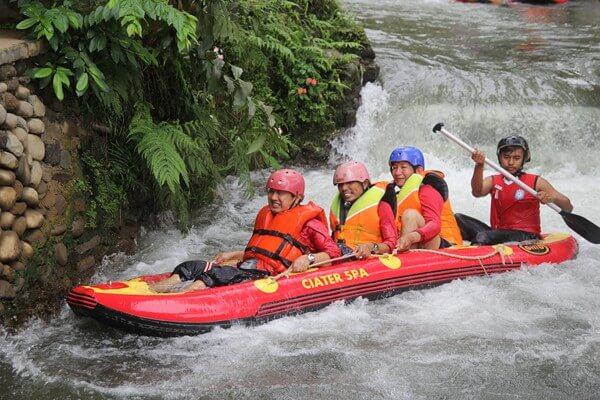 outing-rafting-bea-cukai-bandung-1