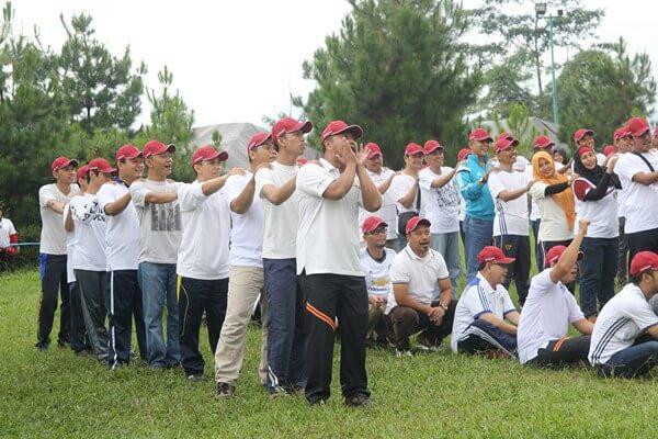 outing-team-building-bea-cukai-bandung-1