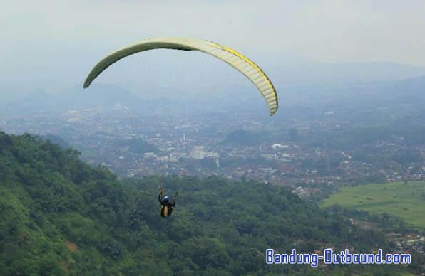 paralayang-bukit-toga-sumedang-1