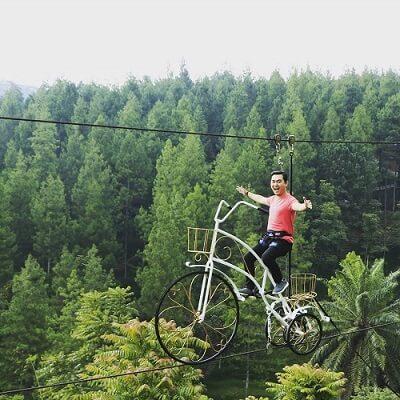 skybike-5-Wahana-Yang-Wajib-di-Coba-di-Dago-Dream-Park-Bandung