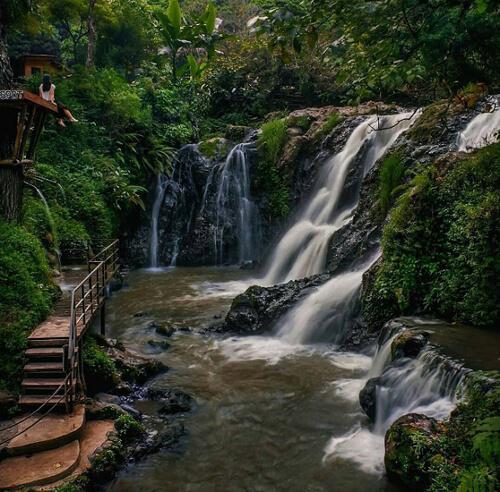 Wisata-Curug-Maribaya